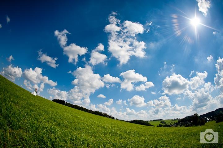 Regina & Stephan | Strahlend blauer Himmel in Nümbrecht