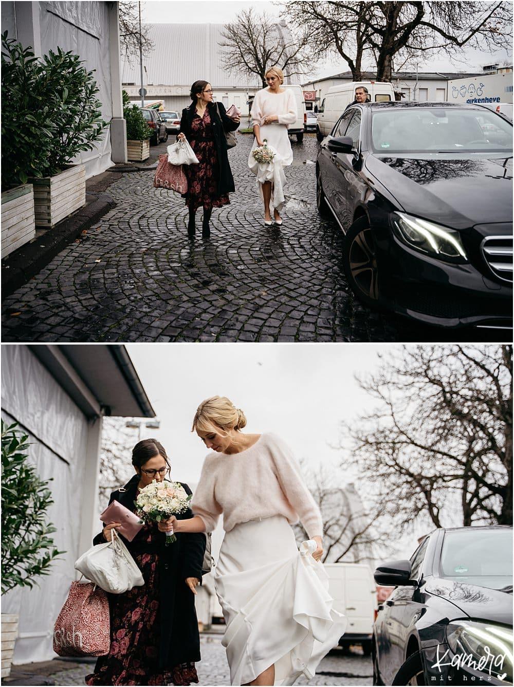 Ankunft der Braut alte Versteigerungshalle