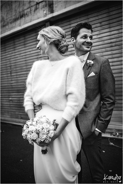 Brautpaarshooting alte Versteigerungshalle