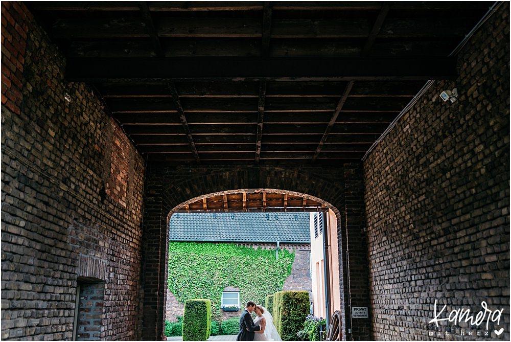 Gut Dyckhof in Meerbusch Hochzeitsshooting