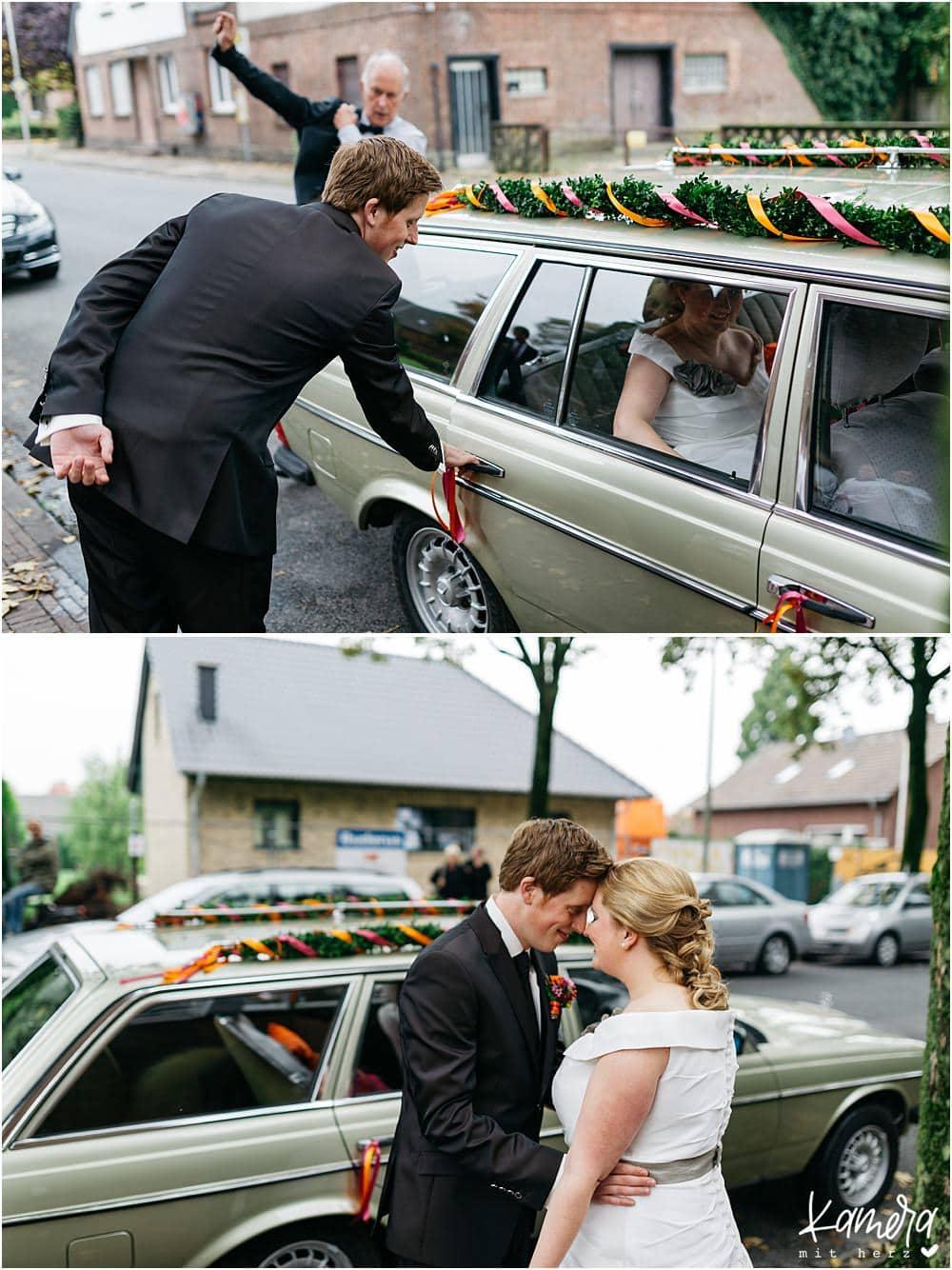 Kirchliche Trauung Kleve und Hochzeitsfeier im Hof Ten Berge - Hochzeitsauto