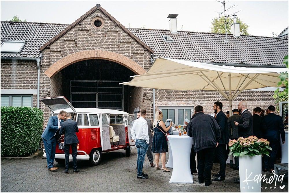Hochzeit im Kastanienhof in Köln - Innenhof