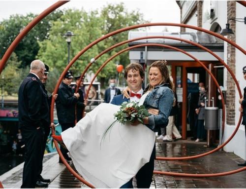 Standesamtliche Trauung in der Meys Fabrik in Hennef und Hochzeitsfeier zuhause